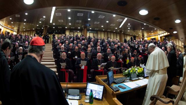 Papa apresenta 21 propostas para deter abuso sexual na igreja