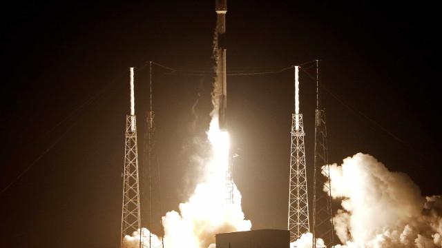 Sonda israelense é lançada para missão na Lua