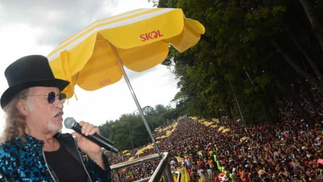 Elba Ramalho e Alceu Valença fazem pré-Carnaval com frevo em SP