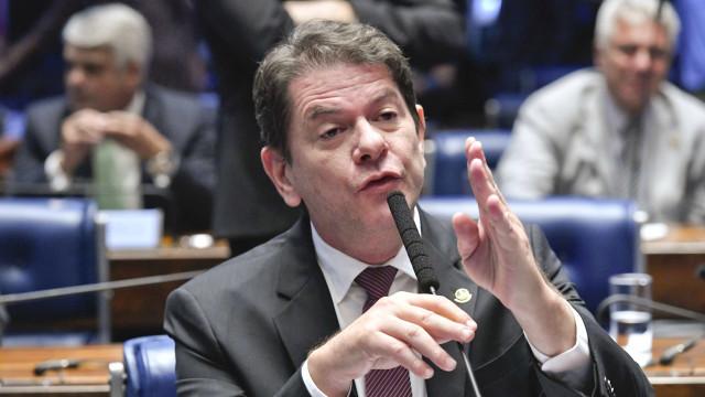 Gomes e Lira trocam ataques em impasse sobre repasse de recursos