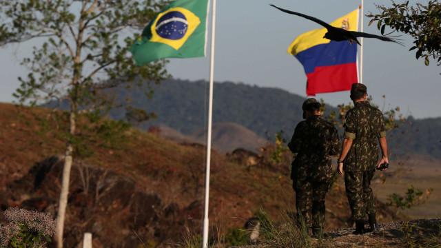 Maioria de brasileiros que vivem na Venezuela não quer deixar o país