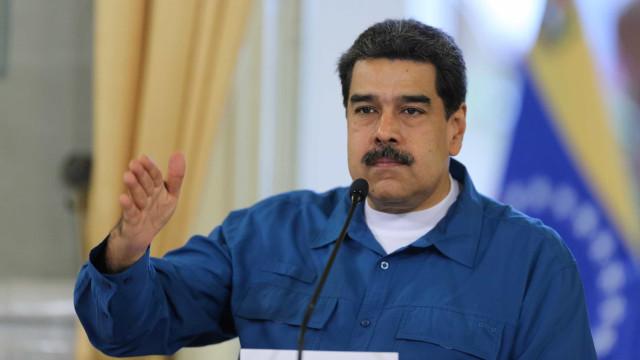 """Governo Maduro culpa """"ataque eletromagnético"""" por blecaute"""