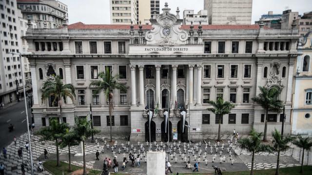 Diretor da Faculdade de Direito da USP repudia 'incitação ao ódio'