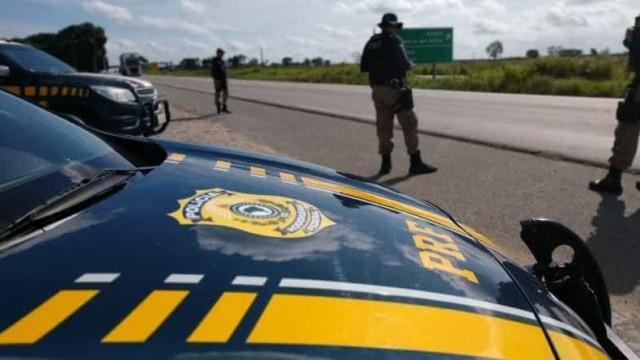 PRF apreende em Minas R$ 1,5 milhão em carro de policiais aposentados