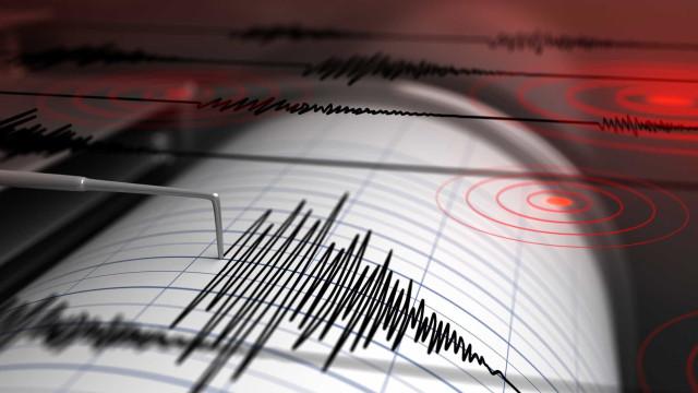 Alerta de tsunami: sismos de magnitude 7.4 atingem a Indonésia