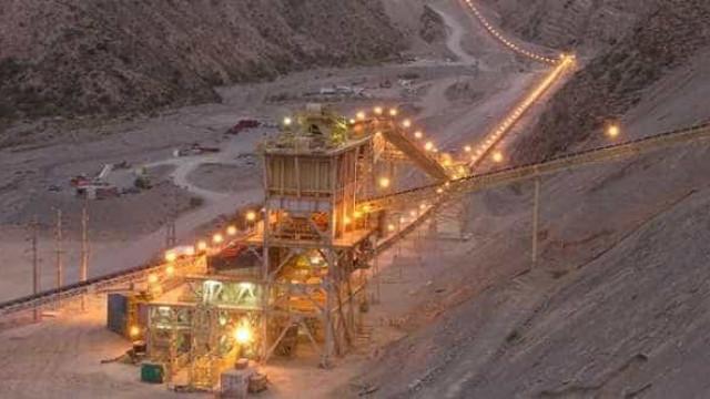 Dois operários morrem em explosão de mina de ouro na Bahia