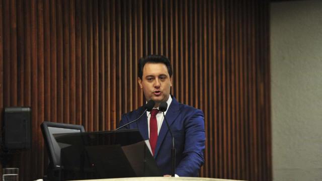 Governo do Paraná vai pagar policiais militares para vigiar escolas