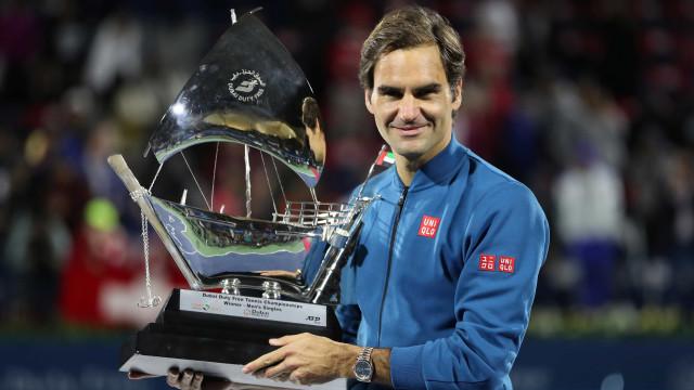 Conquista do 100º título faz Federer subir para quarto no ranking