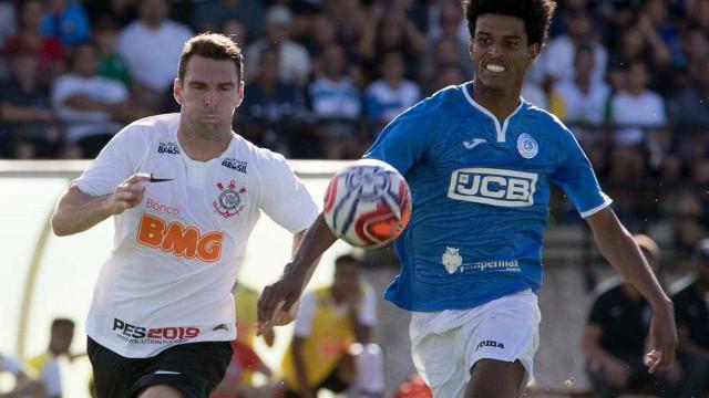 Corinthians sofre pelo alto, mas se salva de derrota para o São Bento