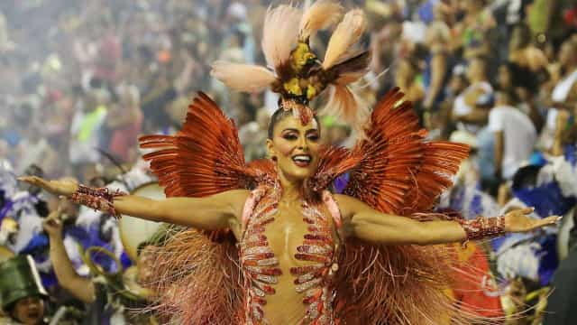 Juliana Paes rebate críticas sobre fantasia: 'Jamais machucaria animal'