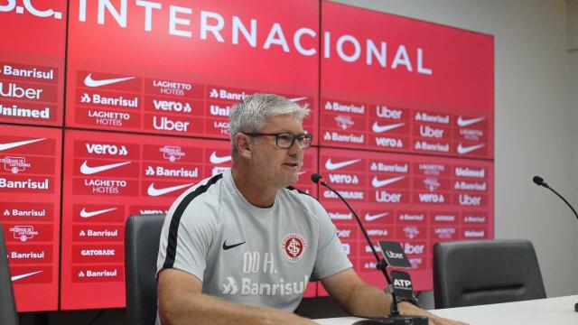 Falta de vitórias fora de casa preocupa técnico do Internacional
