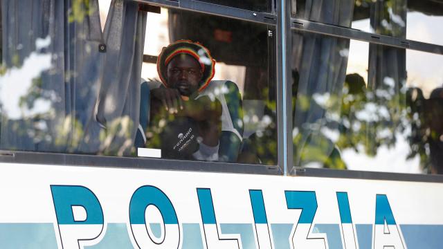 Policiais italianos prendem 32 pessoas envolvidas com a máfia