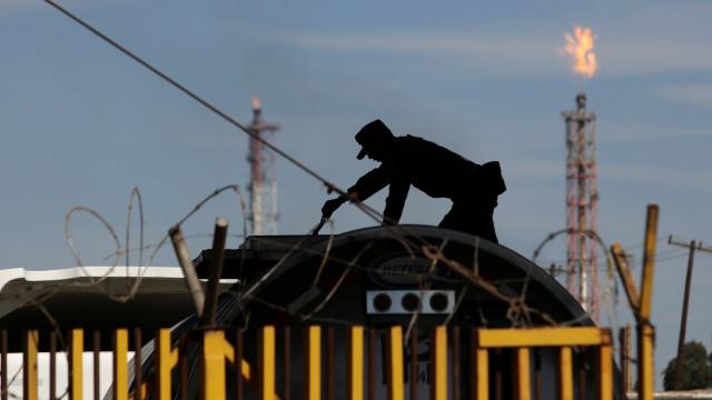 Maior campo de petróleo da Líbia retoma produção