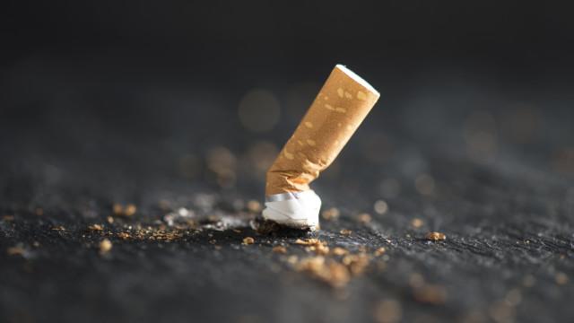 Estado de NY fixa em 21 anos idade mínima para comprar tabaco