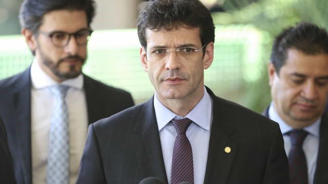 Senado convida ministro do Turismo para falar sobre denúncias