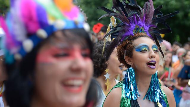Carnaval: blocos de SP fazem maratona de desfiles