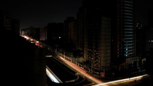 Maduro diz que apagão continua devido a novo ataque cibernético