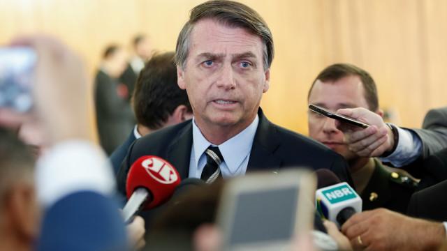 """Bolsonaro diz que quer """"começar bem o ano"""", sem falar com imprensa"""