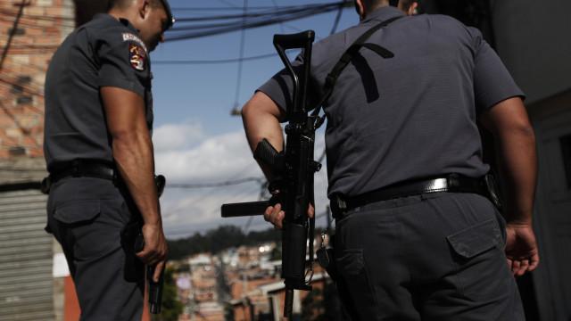 Policiais do Rio poderão receber recompensas do Disque-Denúncia