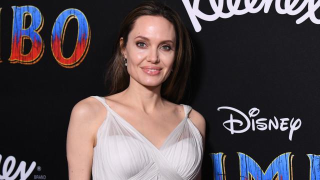 Angelina Jolie tem novo amor, um ator famoso de 42 anos