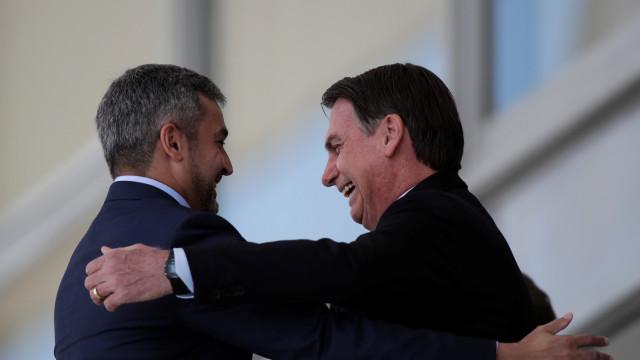 Bolsonaro e Abdo defendem alianças comerciais e criticam Maduro