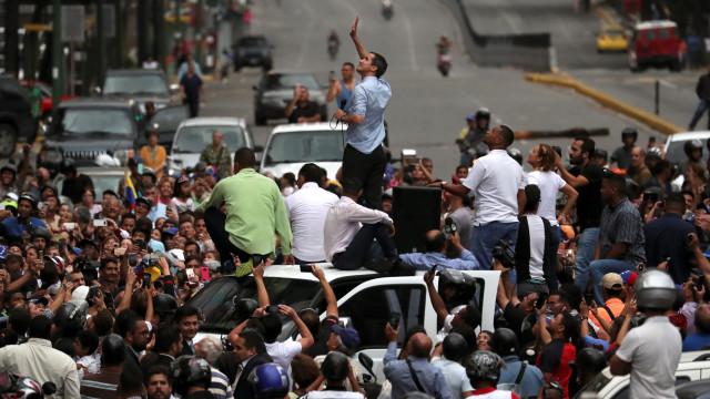 Oposição venezuelana quer ajuda de países vizinhos para resolver apagão