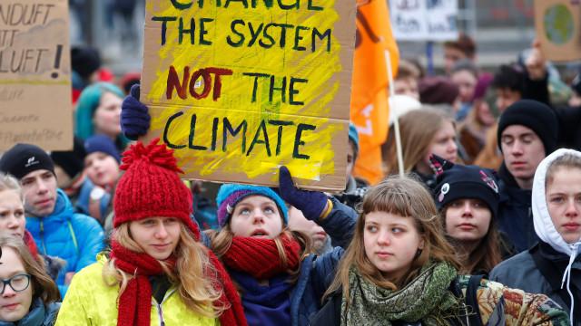 Estudantes de 123 países se unem contra as mudanças climáticas