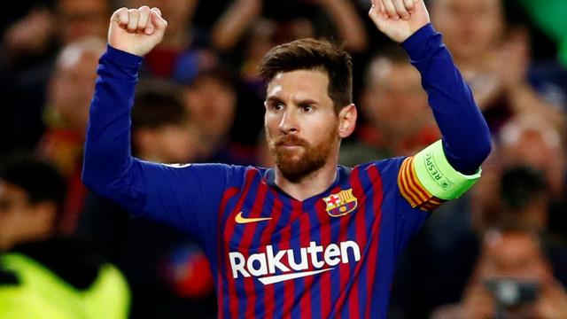 Com golaço de Messi, Barça faz 3 a 1 no Napoli