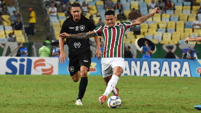 Ganso marca, Diego Souza se destaca e Flu e Botafogo ficam no empate