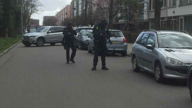 Utrecht: Agência de antiterrorismo fala em 'tiroteios em vários locais'