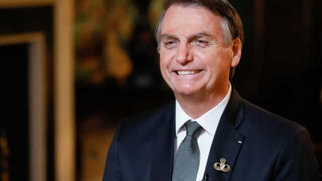 Bolsonaro apaga vídeo do 'golden shower' após saber de ação no STF