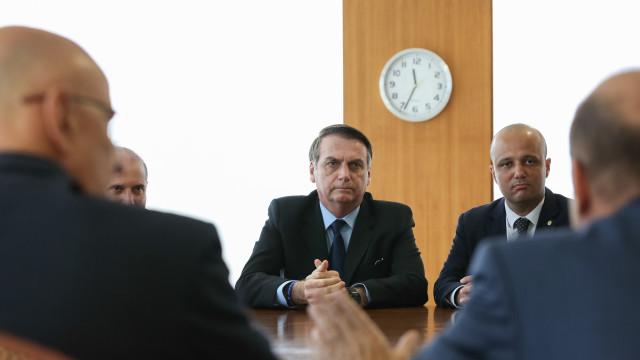 'Não sei qual decisão vai tomar', diz Vitor Hugo sobre Bolsonaro no PSL