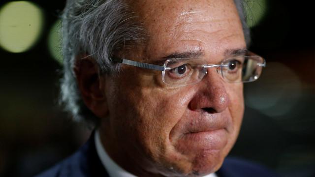 Guedes volta a defender imposto aos moldes da CPMF como solução