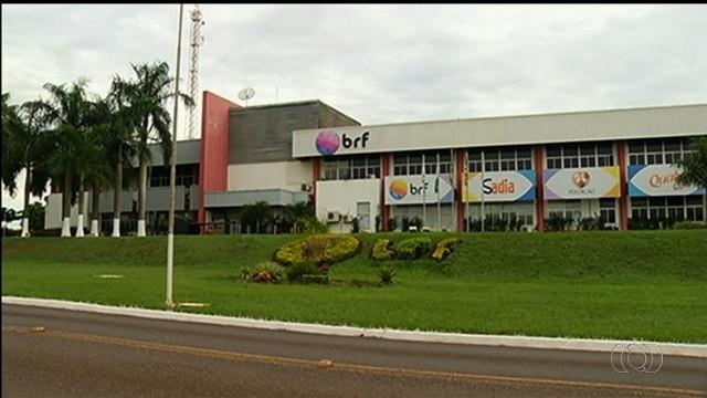 Vazamento de amônia na BRF deixa funcionários intoxicados em Rio Verde