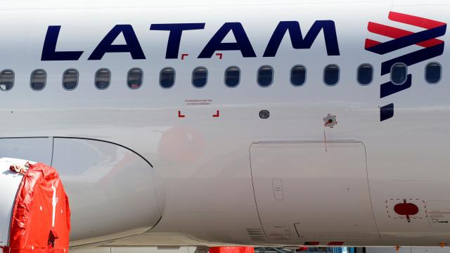 Latam: demanda por voos cai 95,2% em junho ante junho de 2019