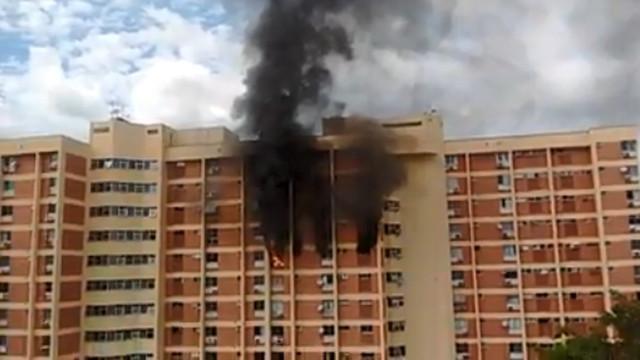 Incêndio atinge condomínio no Grajaú, Zona Norte do Rio