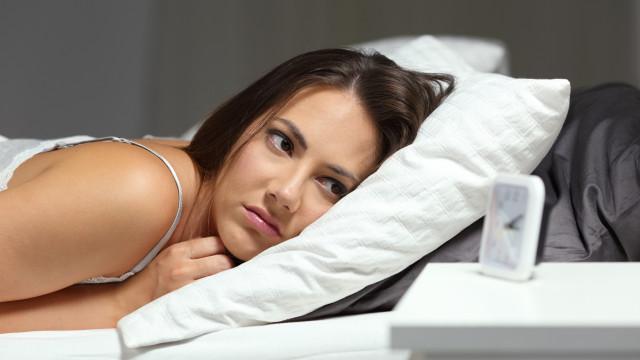 Acordar no meio da noite para urinar pode ser sinal precoce de enfarte