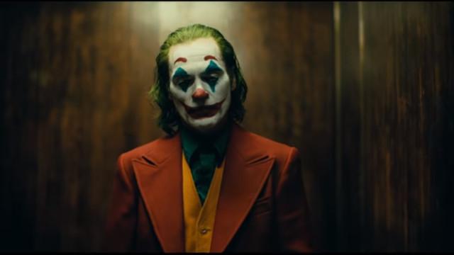 Mais real, mais assustador. O novo trailer de 'Joker' está aí