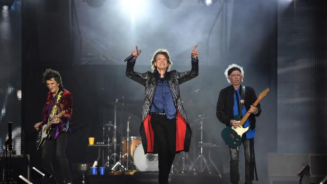 Rolling Stones lançam CD e DVD de show histórico em Copacabana após 15 anos