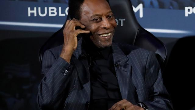 Infecção urinária fez Pelé ser internado em Paris