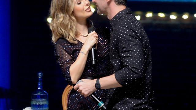 Marido de Sandy diz que teve de carregar a cantora para vomitar antes de show