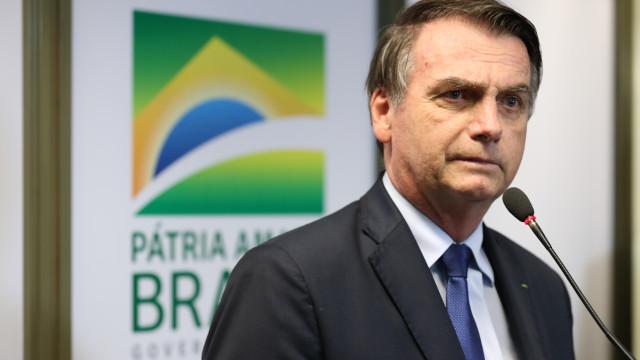 Bolsonaro cita Dilma e não comenta aumento recorde de desmatamento