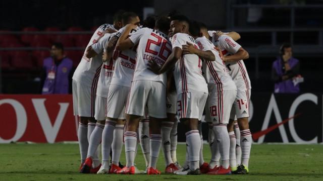 São Paulo vence Palmeiras nos pênaltis e está na final do Paulista