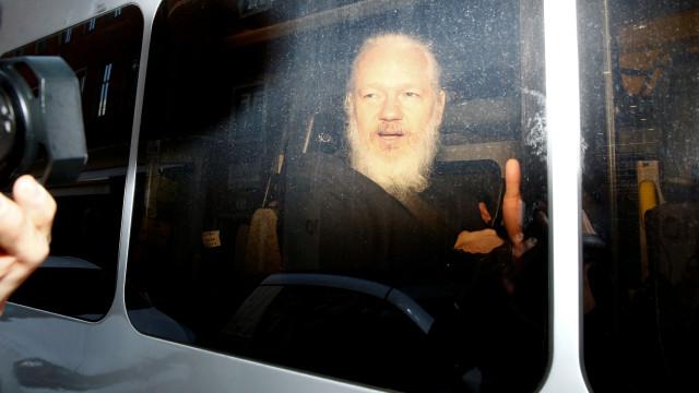 Investigada empresa espanhola que terá ajudado EUA a espiar Assange