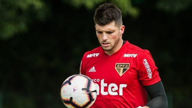 São Paulo decide comprar goleiro Tiago Volpi por R$ 21 milhões
