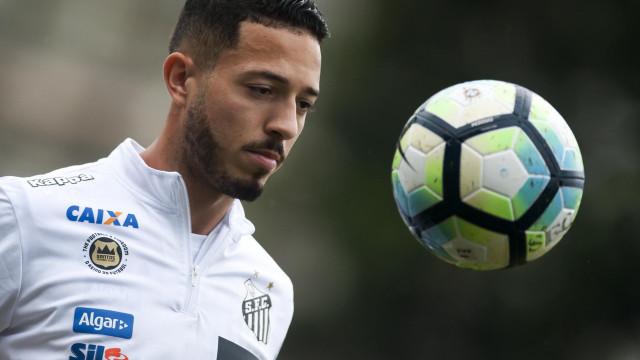 Jean Mota admite incômodo com jejum de três partidas sem gols do Santos