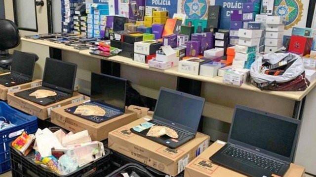 Polícia prende receptadores com mais de 300 celulares roubados no Rio