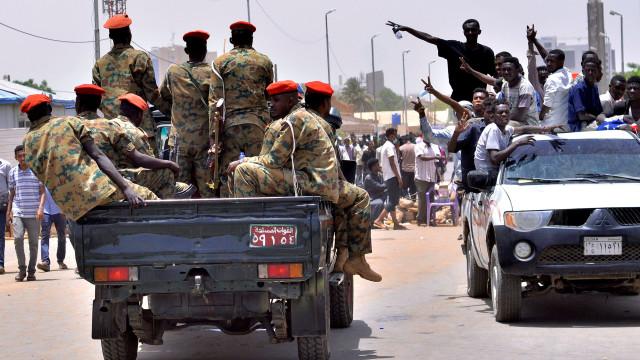 Oposição anuncia acordo com militares no Sudão