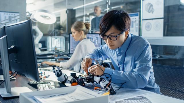 Japão e Coreia do Sul debatem restrição à exportação de tecnologia