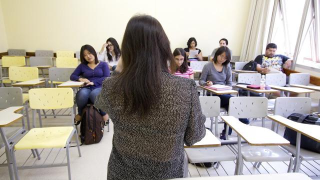 Brasil corre risco de ter professores sem emprego nos próximos anos